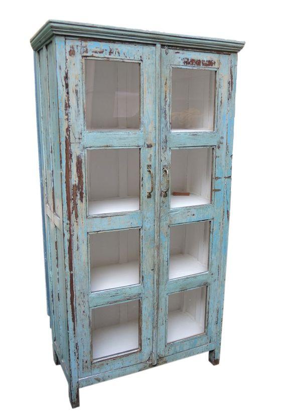 Vetrina azzurra finitura shabby chic for Mobili vintage colorati