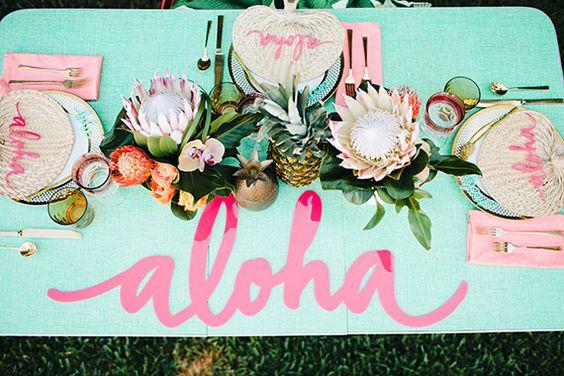 Inspiration party, thème exotique, Aloha ... Table, centre de table fruit et fleurs.