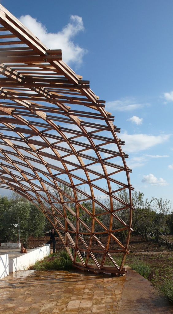 Wooden post-formed Gridshell in Ostuni, Italy  www.cmmkm.com: