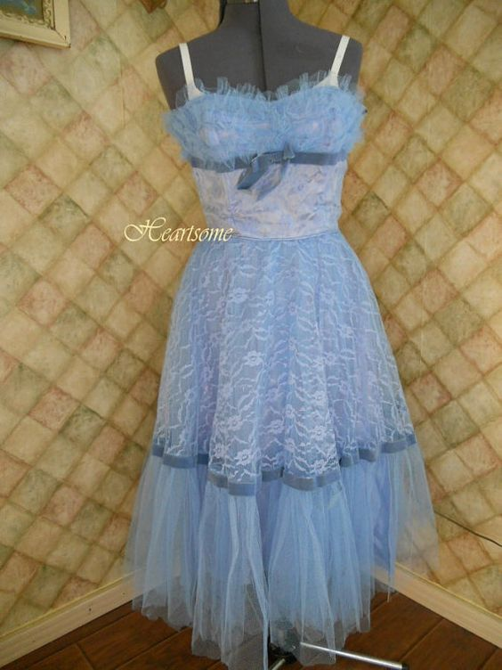 Lovely 50s formal party dress lace tulle sky by HeartsomeHalos, $125.00