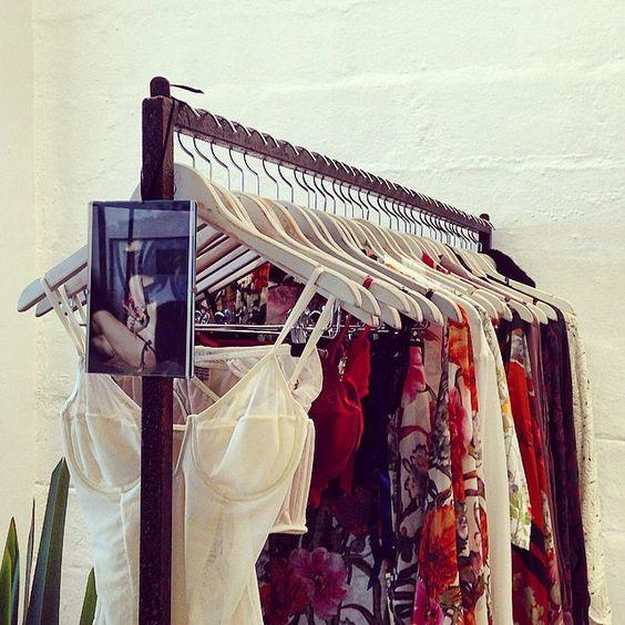 """""""TUDO PRONTO!  VEM!  @artpopup.com.br começando as 13h! Com @freebook_livraria ✨ e @ocharlescafe  #artpopup #vilamadalena #galeriaporao #bazar #natal #correquetem #temos #cisôatelier #cisô #cisoatelier #lingerie #anonovo #loungewear #tecapasqua  Para a virada do ano: - Branco/off white: Paz - Vermelho: Paixão - Rosa: Amor - Azul: Liberdade - Roxo: Magia - Verde: Sorte - Amarelo: Dinheiro  TEMOS ✨  #amor #paixão #sorte #liberdade #magia #paz #dinheiro #2015"""" Photo taken by @cisoatelier on…"""