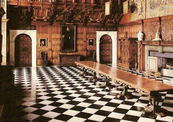 Tudor Style Interior Google Search Vampire Hunted 1