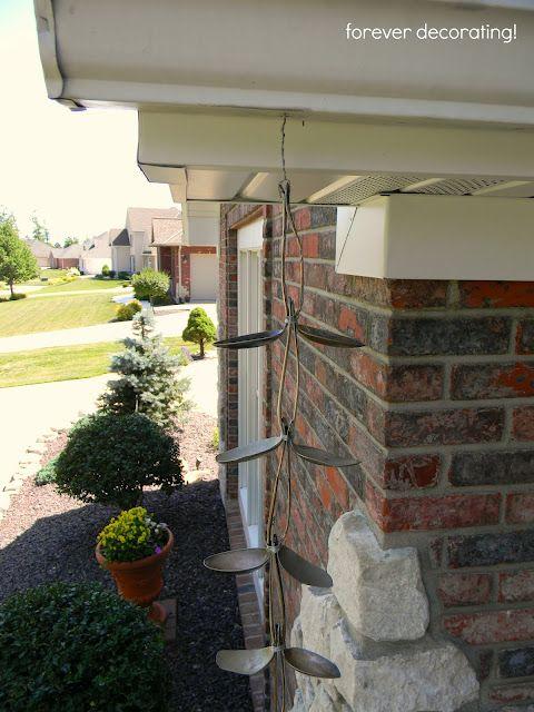 DIY spoon rain chain: Yard Rain Chains, Crafts Outdoors, Gardening Ideas, Rainspoonchain5 Jpg 480, Budget Gardening, Craft Ideas, Yard Crafts, Crafty Ideas, Barrel Rain Chains