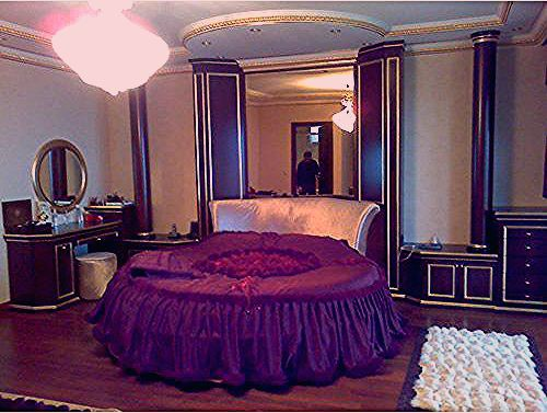 صور غرف نوم فخمة باللون البنفسجي ديكورات بنفسجية روعة لغرف نوم العرايس Beautiful Bedrooms Home Decor Trending Decor