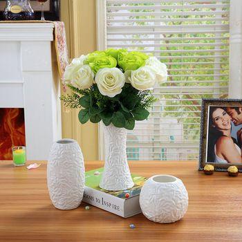 Pequeña sala de estar tv gabinete de cerámica adornos florero ...