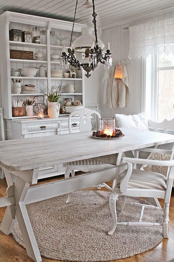 Dizzy Cottage Decoration