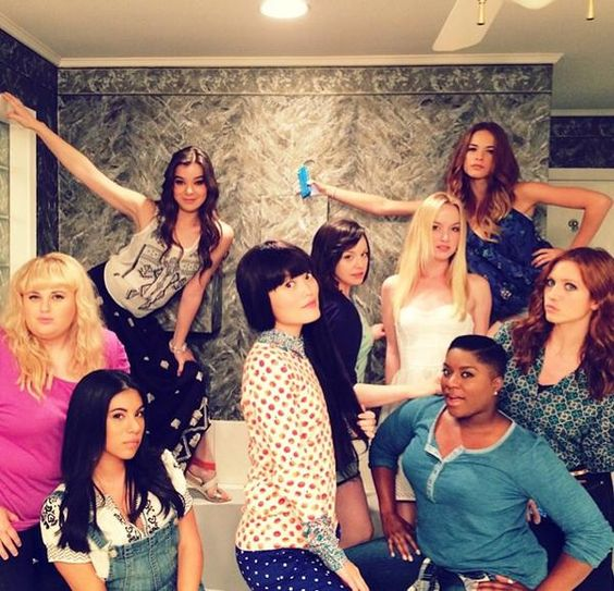 """Anna Kendrick And Rebel Wilson Posted New Wrap Photos From The Set Of """"Pitch Perfect 2"""""""