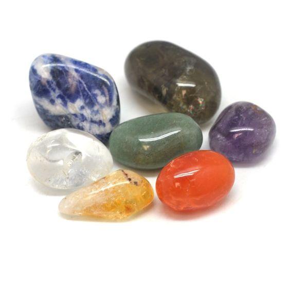 Chakra Healing Crystal Bag | Smoky Quartz, Carnelian, Citrine, Aventurine, Sodalite, Amethyst and Clear Quartz. Feel energized & balanced! #chakra #chakrajewelry #crystals #crystalbags