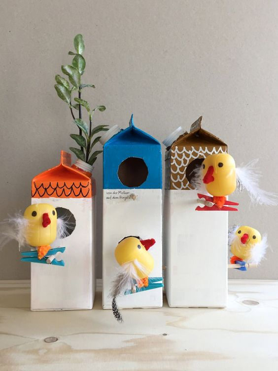Vogelhaus aus Kartons