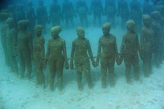 Underwater sculpture park – Grenada