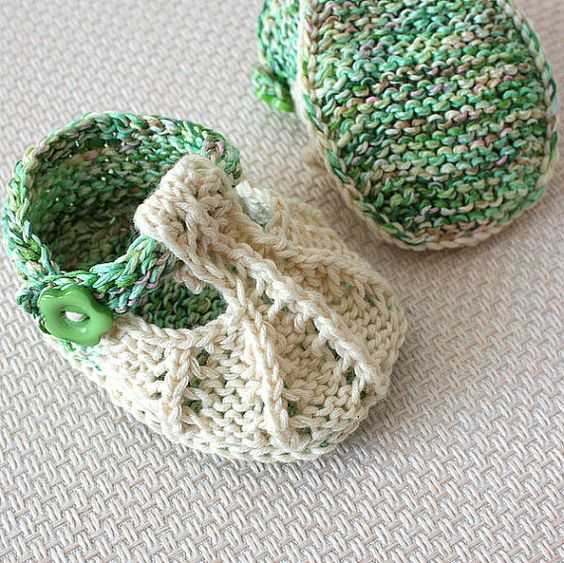 Knitting Pattern (PDF file)  Little Beads Baby Shoes (sizes 0-3/3-6/6-9/9-12 months):