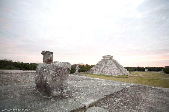 La ciudad prehispánica de Chichén Itzá fue la capital más sobresaliente del área Maya, a finales del periodo Clásico e inicios del Postclásico