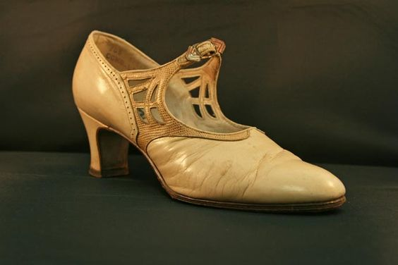 1920s Mid-Heel Mary Jane with Contrasting Nouveau Strap with Cutwork