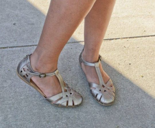 Closed Toe Sandals – Reviews of 6 Models You'll Love
