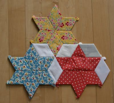 """English Paper Piecing - Pattern - Crazy Mom Quilts: a new portable project - Using 2"""" 6 Point Diamonds"""