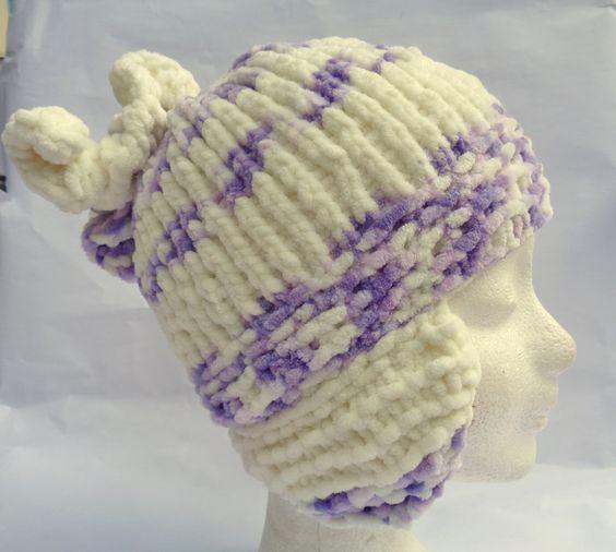 """HEBKÁ A SLADKÁ Dívčí pletená zimní čapka - """"ušatá"""" Velikost : 3 roky Materiál: HIMALAYA DOLPHIN BABY COLORS - 100% polyester Velmi hebká a měká, absolutně nekousavá ozdobená háčkovanou rozetou."""