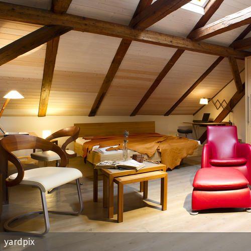 Die Kombination aus neuen Möbeln und altem Haus bildet unseren gewünschten Kontrast. …