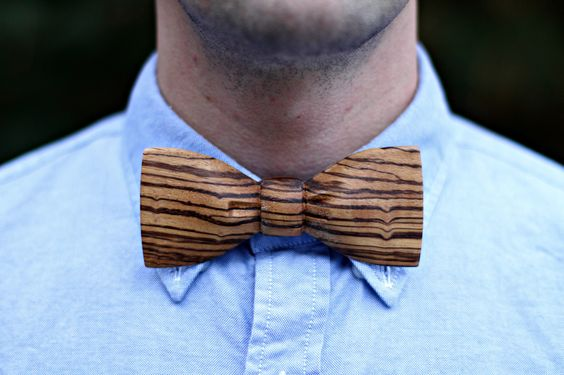 I MUST HAVE THIS!!: Wood Bowtie