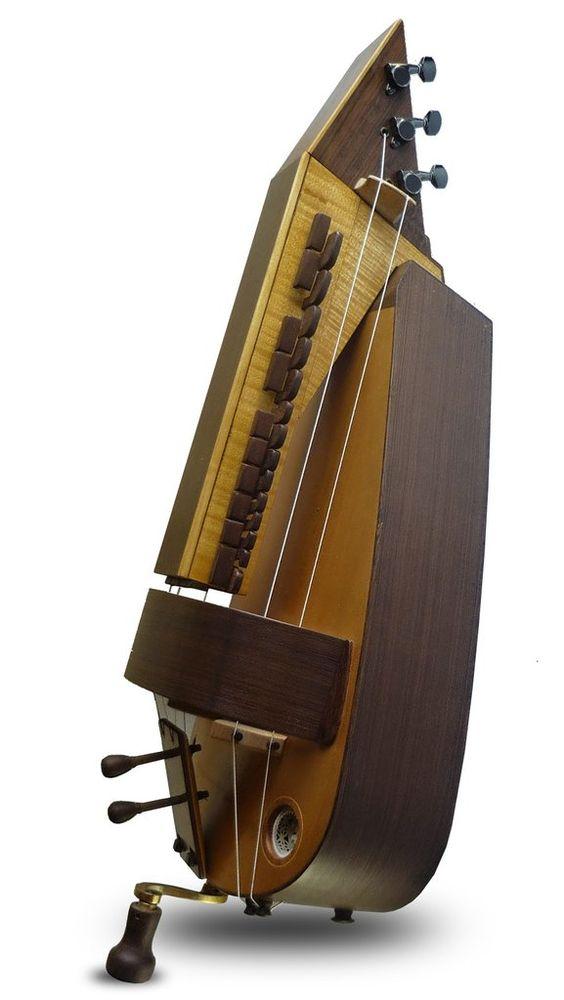 Zanfona Contemporánea - Luthier Facundo Bordas  http://www.beautifulinstrument.com/cordofonos/zanfonas/zanfona-contemporanea-luthier-facundo-bordas/