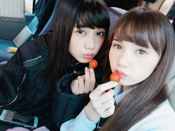 プチトマトを食べるマーシュ彩