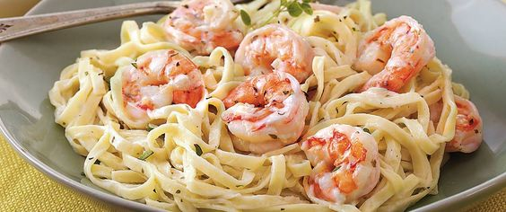 Proof positive that you don't need to spend hours in the kitchen to create a delicious meal, our creamy garlic shrimp and pasta can be ready in only 10 minutes.