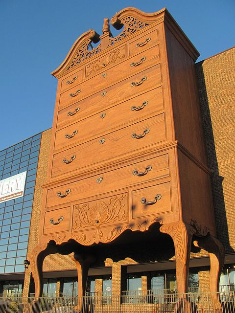 Tallboy chest of drawers High point and Chest of drawers