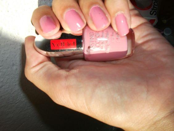 Tartaruga Zeta Fashion & Beauty: Manicure of the week - Smalto della settimana @pupamilano #notd #manicure #beauty #beautyblogger #beautyproducts #manicure #nailpolish #nails #smalto #unghie #pink #barbie