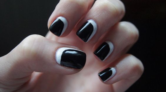 Black and white mod nails  II  Nails Know How