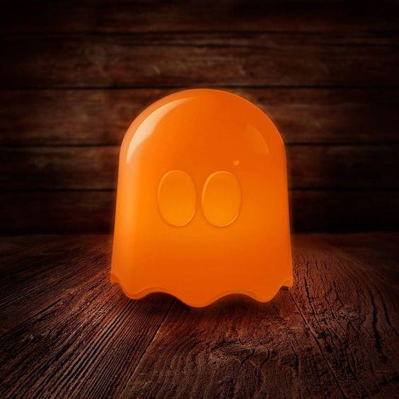 Ambiance Colorée Lampe 100% geek Petit fantôme du jeu Pac Man Pour la chambre ou le salon