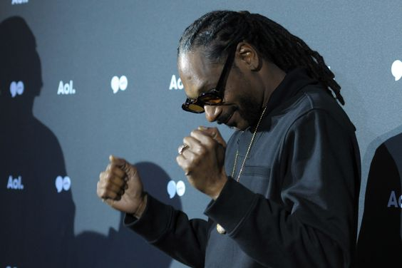 Exclusive Hip Hop News, Interviews, Rumors, Rap & Music Videos   Allhiphop »  Snoop Dogg's One Step Closer To Victory In $700 Million Lawsuit Against Pabst
