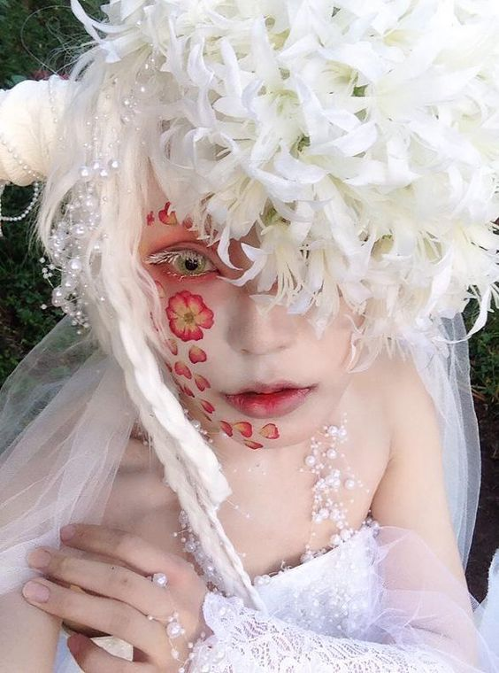 【コス写メ】ユラさんと撮影して帰宅!白創作で彼岸花、午後から晴れてくれて久々の晴れ撮影でした(*´u`*)幸