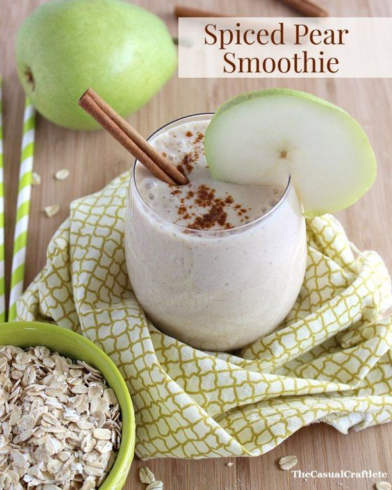 Spiced Pear Smoothie #healthy #smoothie #breakfast