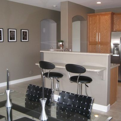 Gray garage and living rooms on pinterest for Keystone grey sherwin williams exterior