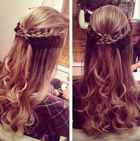 Os penteados semi presos para madrinhas de casamento também são encantadores, e podem valorizar qualquer tipo de cabelo com suas diferentes texturas, e tam