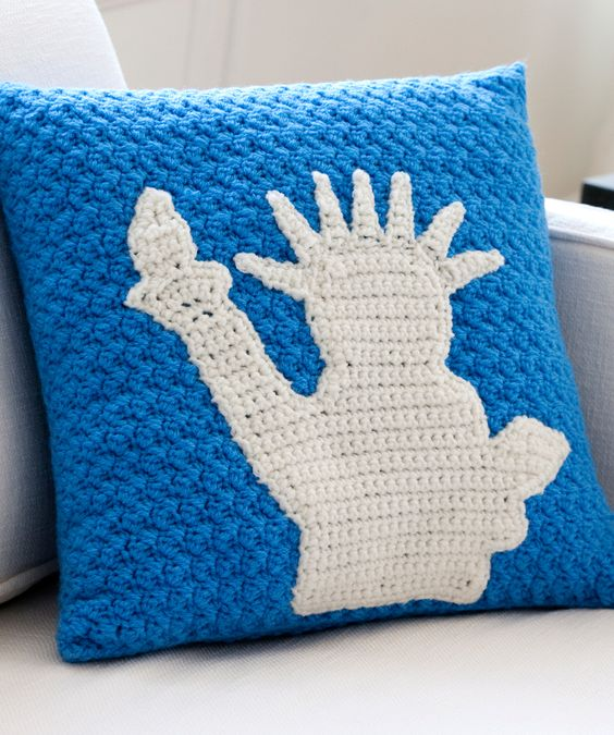 Statue of Liberty Pillow Free Crochet Pattern from Red Heart Yarns