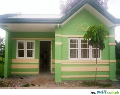 Low Cost Bungalow House With Balcony You A Been Selected Low Cost House Design For Filipino Families Sc Village House Design House Roof Design Rooftop Design