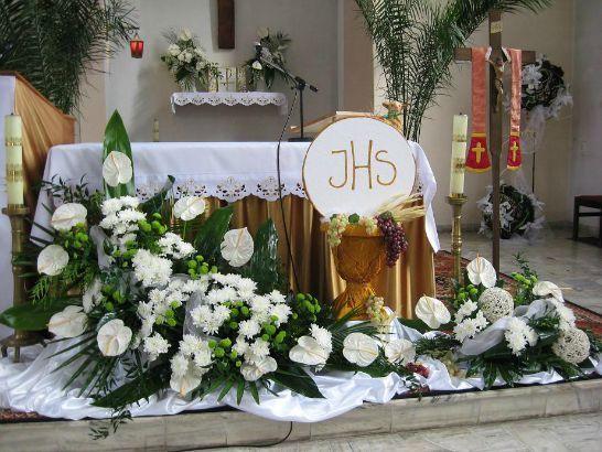 Podobny Obraz Church Flower Arrangements Church Flowers Communion Decorations