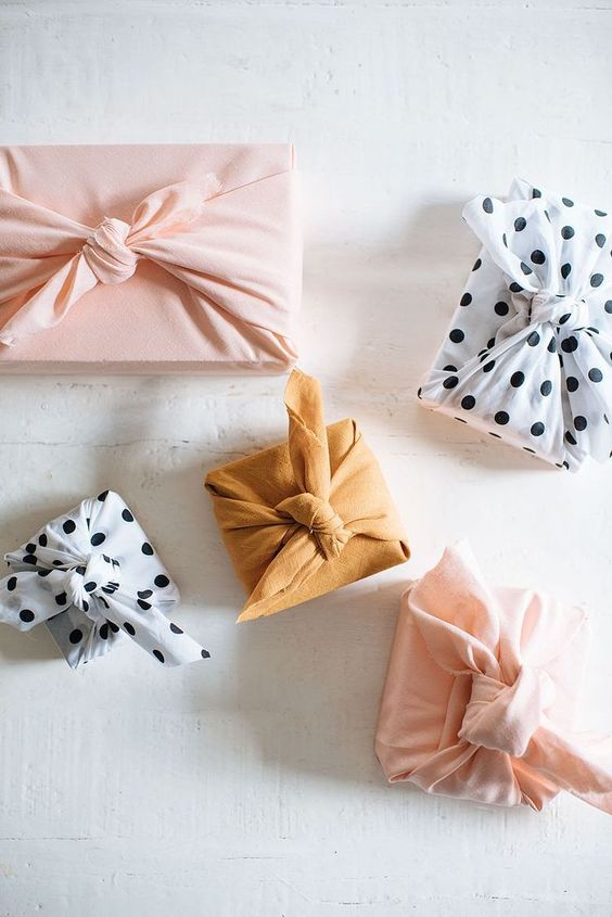 Creative Wrapping Idea: DIY Fabric Wrapped Gifts