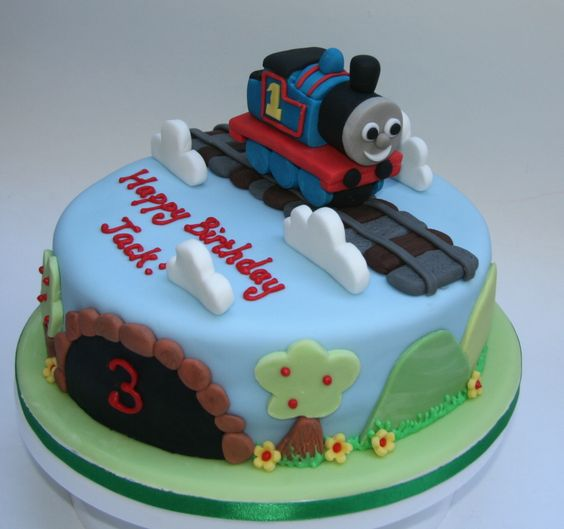 pin thomas the tank engine birthday cake etoile cake on