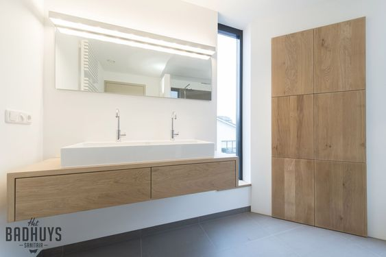 Badkamer met Massief Eiken maatwerk meubels, Het Badhuys   Het Badhuys
