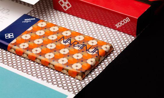 Xocoa: identidad y packaging de cadena de tiendas de chocolate  Xocoa: identity and packaging for a chain of chocolate shops  Xocoa: identitat i packaging de cadena de botigues de xocolata  Xocoa: Identität und Verpackungen für einen Kette von Schokoladenläden