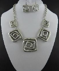 """Antiqued Silver Swirling Squares  Necklace and Earring Set  Very MOD.   18""""L with 2"""" adjuster  http://yardsellr.com/for_sale#!/antiqued-silver-swirling-squares-necklace-and-earring-set-1835031"""