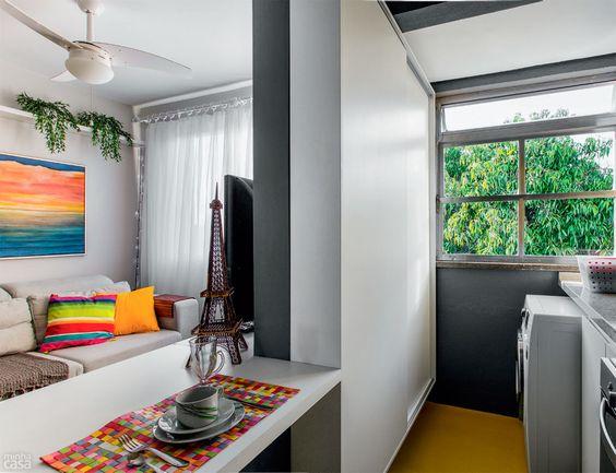 decoracao de sala e cozinha juntas simples: Simples // Caprichosa // Colorida // Sofá Branco // Junta com Cozinha