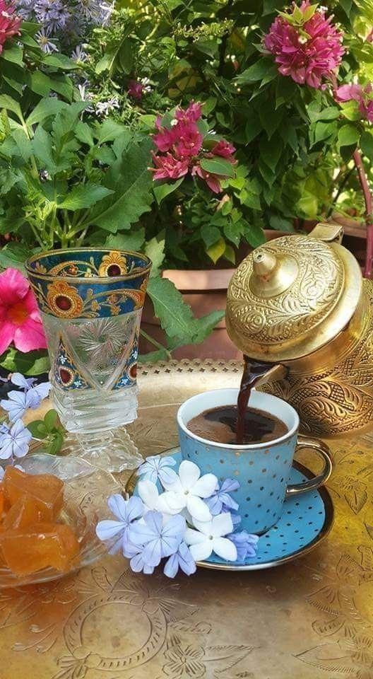 المحبه ماهي الا فنجان قهوه مع من نحب فنجان قهوة الصباح يساوي الدنيا وما فيها Coffee Time Good Morning Coffee Coffee Love