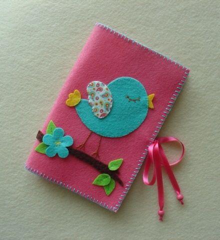 Passarinho piu | Made by me | Pinterest | Capa de feltro, Capinha de celular de feltro e Cadernos decorados