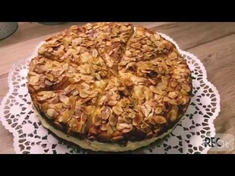 كيكة لسعة النحل الالمانية Bienenstich Kuchen Youtube Apple Pie Food Desserts
