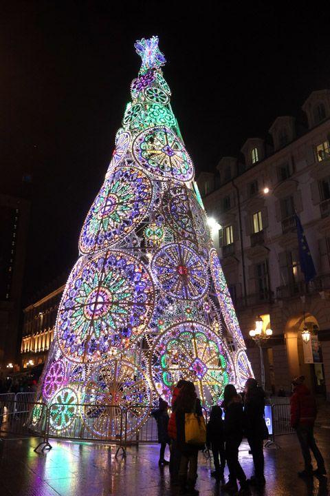 Albero Di Natale A Torino.L Albero Di Natale Torno 2017 Decorazioni Luminose Natalizie Torino Alberi Di Natale