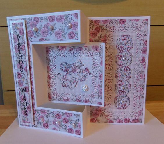 TriFold Card Etl  Tattered Lace  Carol Picks