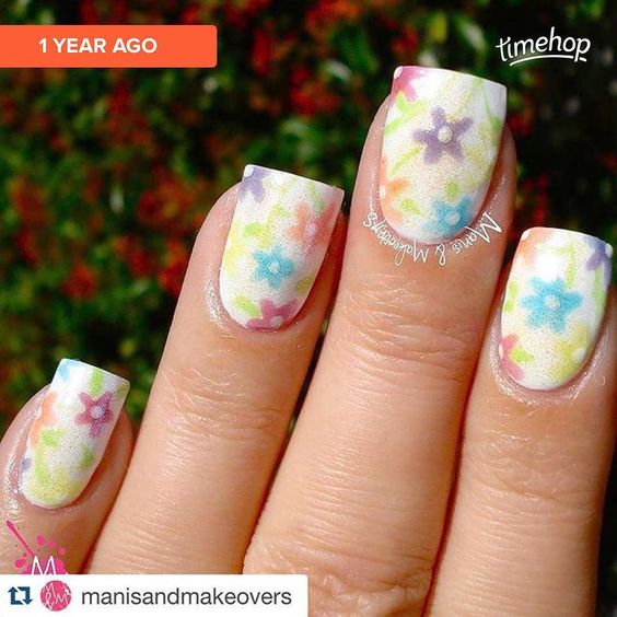 Can you believe it's been a year since these sweet flowers @manisandmakeovers made with my Squeeze Pop jellies?? #etsy #incidentaltwin #indiepolish #nailpolish #nailart incidentaltwin.etsy.com