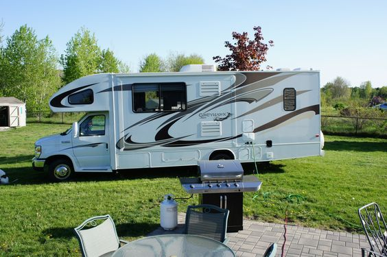 LOVE Motor Homes as a way to travel!